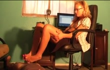 Girl In Glasses Gives Nice Footjob