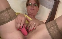 Fucking naughty mature woman with glasses